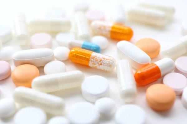飲み合わせが悪いとどうなる?薬とサプリメントの飲み合わせについて
